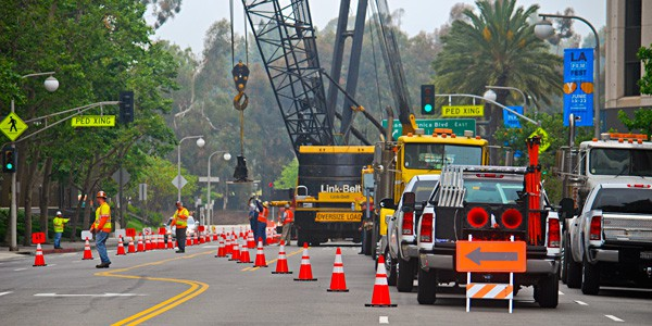 Construction Traffic Control : Temporary traffic control roadway construction service